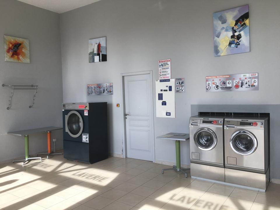 petite laverie libre service